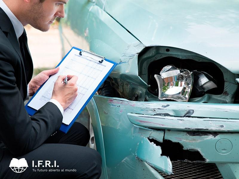 Peritaje judicial en investigación y reconstrucción de accidentes de tráfico
